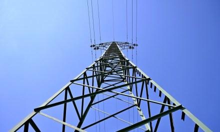 Analizan diputados iniciativa para reformar la Ley de la Industria Eléctrica