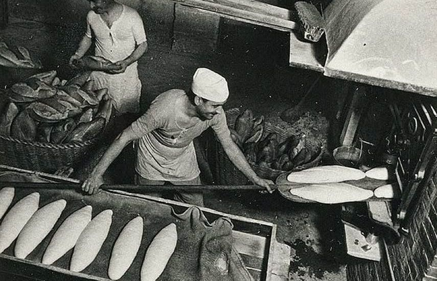 Margaret Michaelis. No title (Men baking bread, Barcelona) c. 1936-37.