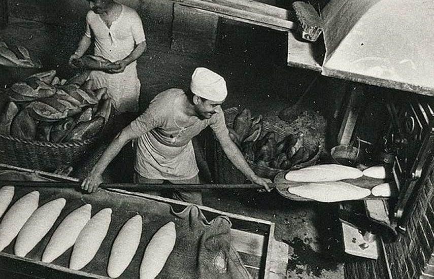 Margaret Michaelis. No title (Men baking bread, Barcelona) c. 1936-37.