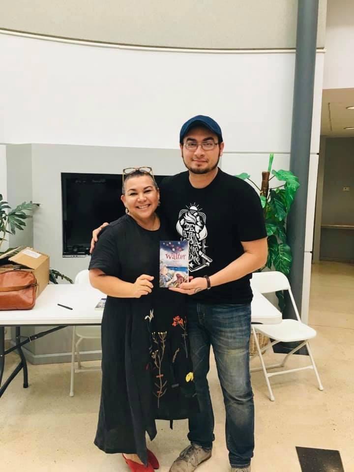Con el autor de Walter , Carlos Vidal Martinez