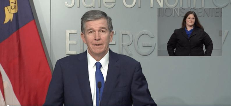 Gobernador Roy Cooper Anuncio Plan A Escuelas K-5
