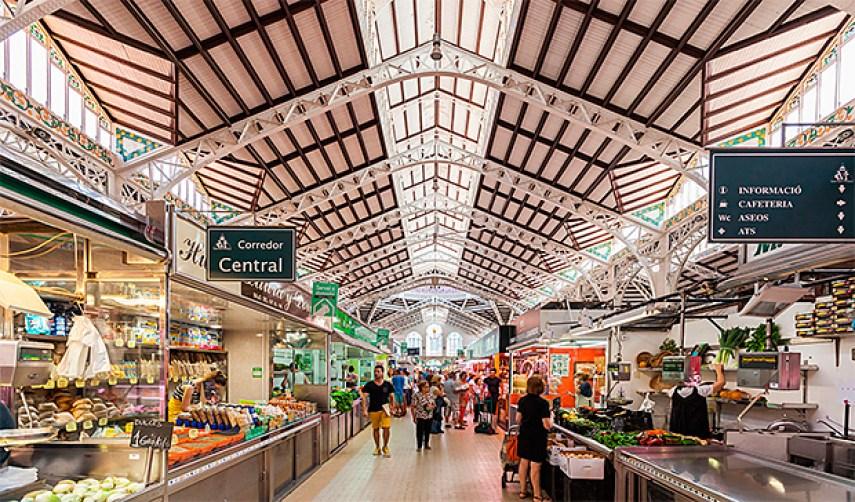 Vista panorámica del Mercado Central de Valencia, food hall