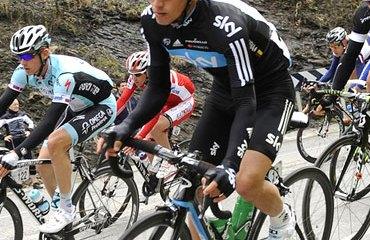 Sergio Henao en plena Vuelta al País Vasco