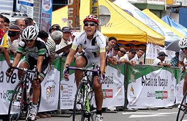 Lorena Vargas ganó su medalla de oro nacional en la ruta