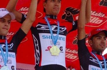 Jonathan Millán pasó a encabezar la carrera