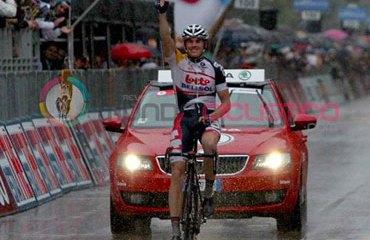Adam Hansen consiguió su primera victoria en una gran vuelta