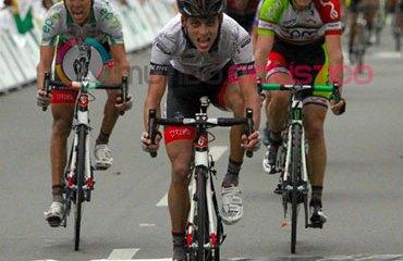 Sánchez celebró su primer triunfo de etapa en una Vuelta