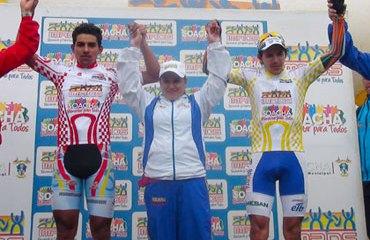 Alirio Martínez y Juan David Vargas en lo más alto del podio