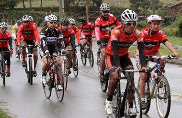 El Ciclopaseo contó con figuras del pedalismo nacional e internacional