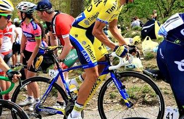Contador defendió este viernes muy bien su posición de líder