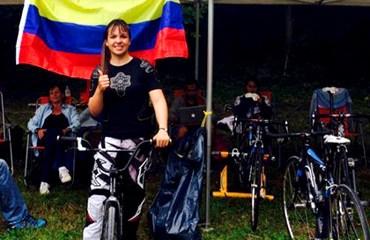 La bicicrosista Andrea Escobar es una de las cuatro ciclistas en la delegación nacional.