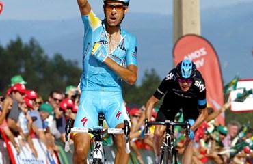 Aru ganó en Monte Castrove y sumó su segunda victoria en una Vuelta a España con mucho espectáculo