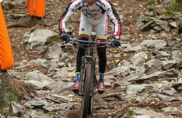 El subcampeón mundial Egan Bernal hizo parte del equipo cundinamarqués que ganó la prueba de Relevos élite