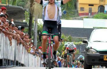 Tejada obtuvo su primer triunfo en la carrera juvenil.