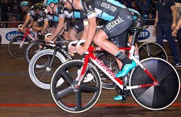 El velódromo Eddy Merckx de Gante fue el escenario de una novedosa presentación del equipo belga