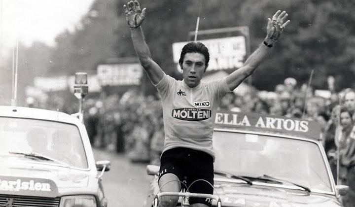 El legendario Eddy Merckx es uno de los tres únicos vencedores de los cinco monumentos