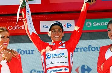 Esteban-Chaves sostuvo este lunes la camiseta roja de líder de la Vuelta a España 2015
