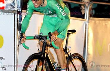 El triple campeón de la Vuelta a Colombia, Oscar Sevilla, ganó la cronoescalada a Palmas en su Wilier Trestina