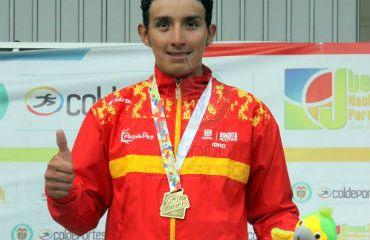 Brayan Ramirez satisfecho con la medalla de Oro en la Ruta de los Juegos Nacionales