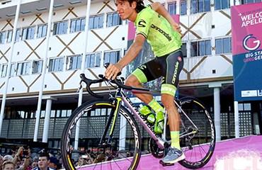 Rigoberto Urán encabezó su equipo Canondale en la Presentación de Equipos que dio inicio oficial al Giro de Italia 2016