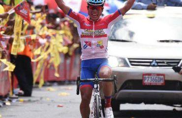 Alfredo Ajpacaja ganador de segunda etapa de Vuelta a Guatemala