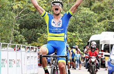 Camilo Castro se llevó la victoria en la cuarta etapa de la Vuelta del Porvenir