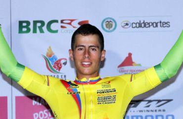 Johan Moreno ganó Prólogo y es primer líder de Vuelta del Porvenir