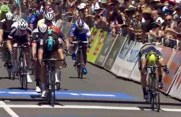 Caleb Ewan, en apretado final gana primera etapa de Tour Down Under