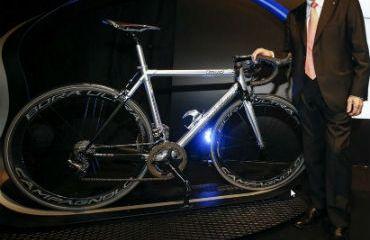 Ernesto Colnago celebró hoy sus 85 años con la presentación de un modelo especial de nuevas bicicletas