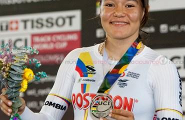 Martha Bayona se colgó la medalla de plata en el Keirin tras una espectacular serie final