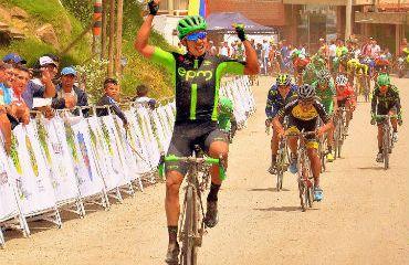 Diego Ochoa ganador de primera etapa