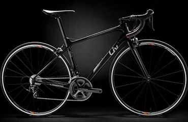 La Langma llegó al Giro Rosa buscando ocupar un puesto en el podio. Asombra su peso ligero, pero más, la forma en la que se roba todas las miradas del público. Es la nueva apuesta de la marca Liv Cycling