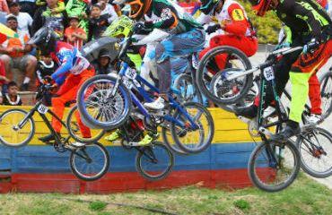 Carlos Ramírez y Miguel Calixto, en la disputa de la gran final