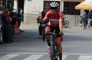Natalia Pardo (Coldeportes-Zenú-Sello Rojo) ganó última etapa de Clásica de Marinilla