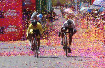 Alfredo Ajpacaja fue el ganador de la séptima etapa y se afianza en liderato (Foto Vuelta Guatemala)