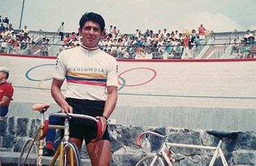 Nuestro Director, Héctor Urrego Caballero. tras disputar la prueba de Velocidad en los JJOO de México 1968