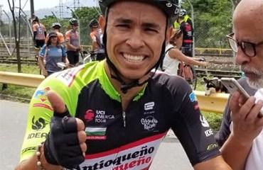 Jaime Castañeda ganó la segunda etapa del Clásico El Colombiano disputada en la Avenida Regional de Medellín