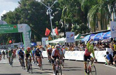 Jakub Mareczko ganador de primera etapa de Tour de Hainan en la China (Foto Tour de Hainan)