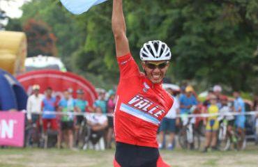 Juan Fernando Monroy, uno de los ciclomontañistas colombianos en Trans Costa Rica 7C