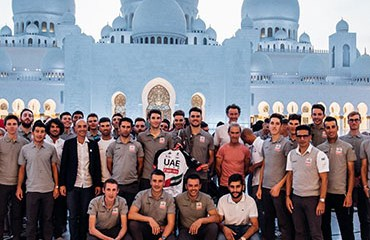 El Team UAE reunió su plantilla para el 2019 en Dubái con los escarabajos colombianos Fernando Gaviria, Sergio Henao, Sebastián Molano y Cristian Muñoz