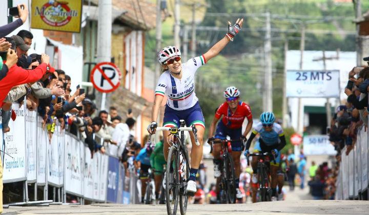 La mexicana Brenda Santoyo ganó primera etapa y es líder de la Vuelta a Costa Rica