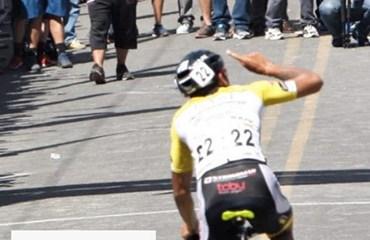 Oscar Quiroz se llevó la victoria en la novena etapa de la ronda costarricense (Foto©crciclismo.com)