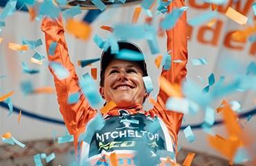 Amanda Spratt obtuvo su tercer título consecutivo en el Tour Down Under Femenino