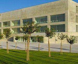 la universidad de san jorge firma un convenio de adscripción con esic para implantar el título oficial de grado en marketing
