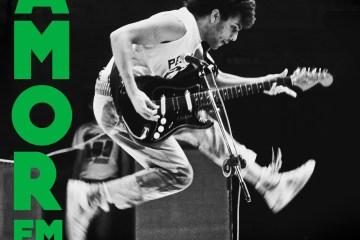 """Capa do single """"Amor em Tempos de Cólera"""" faz referência a dois álbuns internacionais de rock (Foto: Rui Mendes/Divulgação)"""