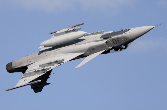 Hungarian_Air_Force_Saab_JAS-39C_Gripen_Lofting-2