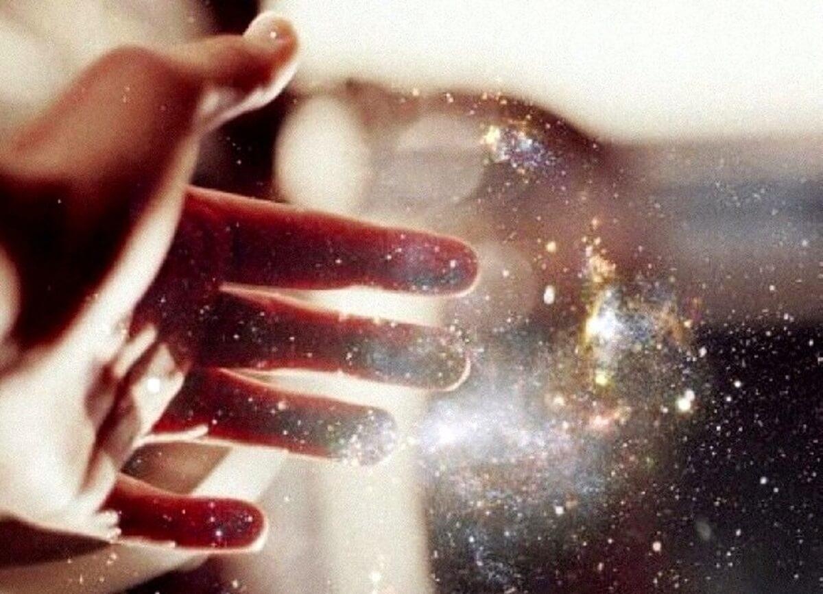 Que nunca te faltem forças para seguir oferecendo luz aos outros