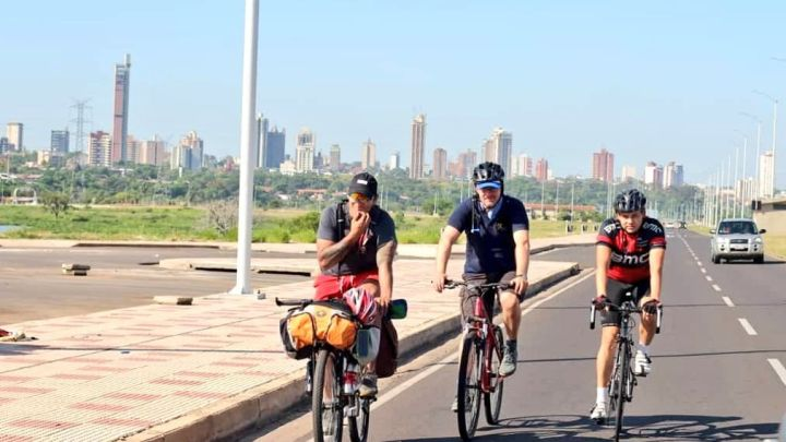 Paraguayo recorrerá 25.000 km. en bicicleta para promocionar el país