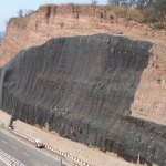 Análisis de caída de rocas en taludes