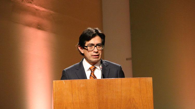 El Presidente del Consejo Directivo del OEFA, Hugo Gómez, durante su presentación en la 32 Convención Minera PERUMIN